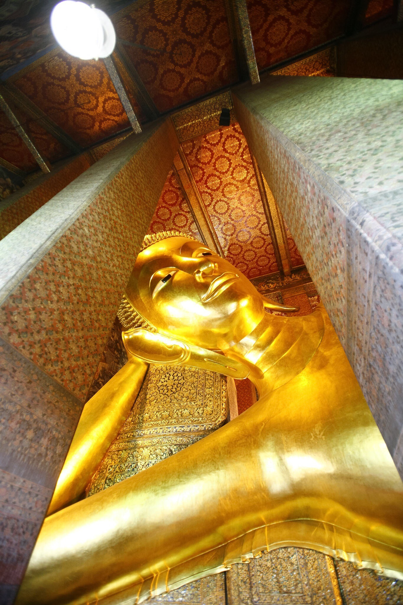 Bangkok Grand Palace reclining Buddha 1