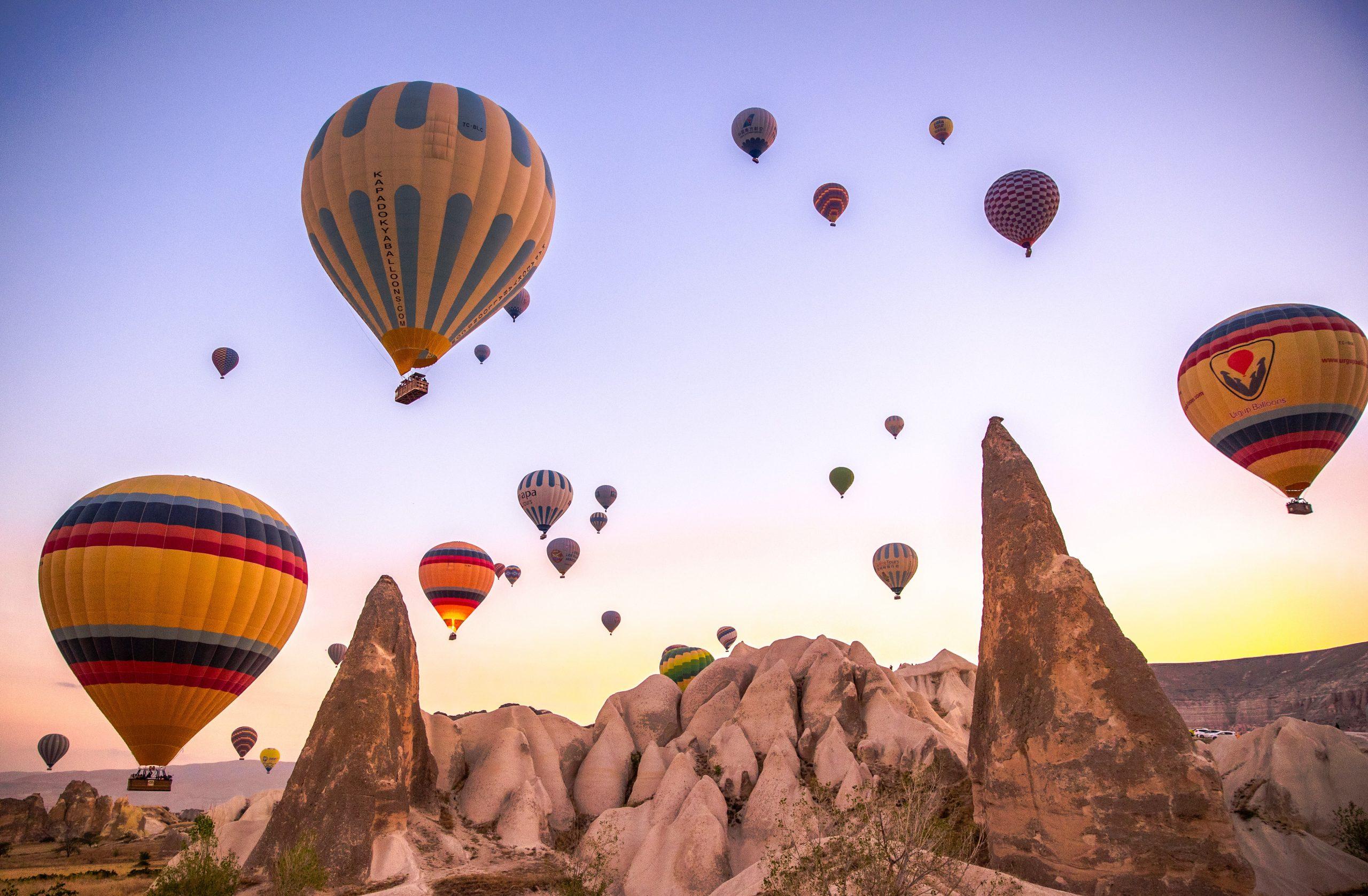 capadocia globos scaled viajes a medida y viajes de novios