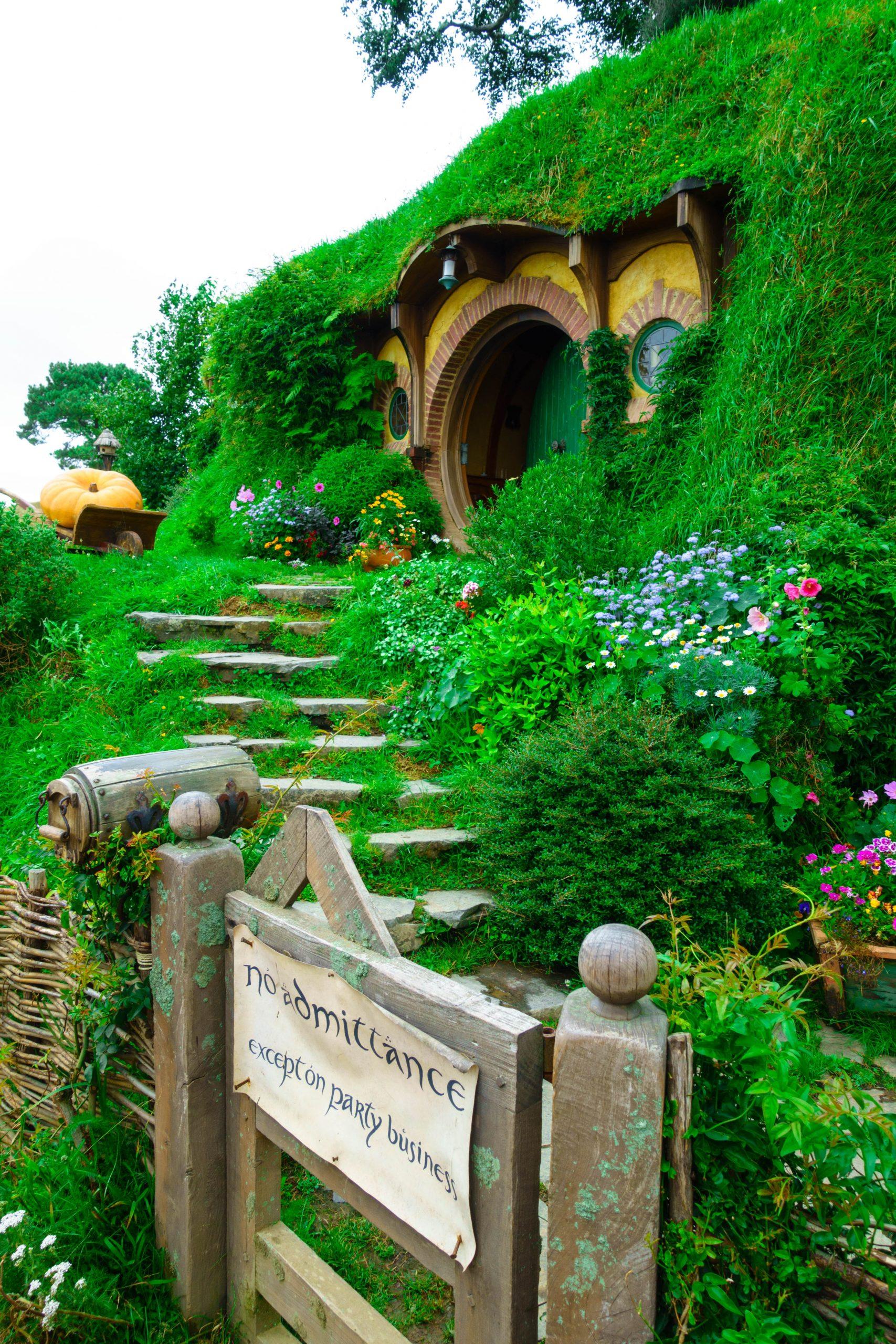 hobbiton nueva zelanda scaled